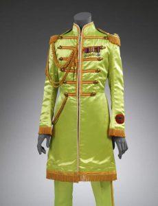 Abito di John Lennon per Sgt Pepper, 1967, Victoria and Albert Museum