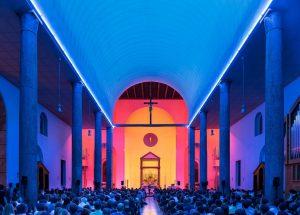 Chiesa Rossa installazione Dan Flavin
